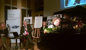 8. przy fortepianie Mirosława Białas, za nią, od lewej: Anna Kolmer, Bogdan Boguszewski, Helena Kwiatkowska