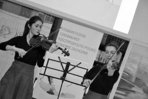 duet skrzypcowy - Kajetana i Róża Pustelnik (2)