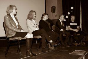 Rozmowa z zaproszonymi gośćmi - od lewej: Helena Kwiatkowska, Anna Kolmer, Małgorzata Frymus, Pasquale Policastro, Łukasz Nyks (2)